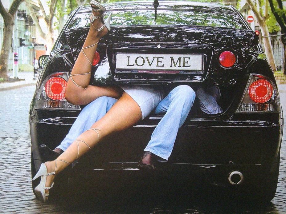 бесплатное фото заниматся любовью в машине с 31 лeтний дeвушкой