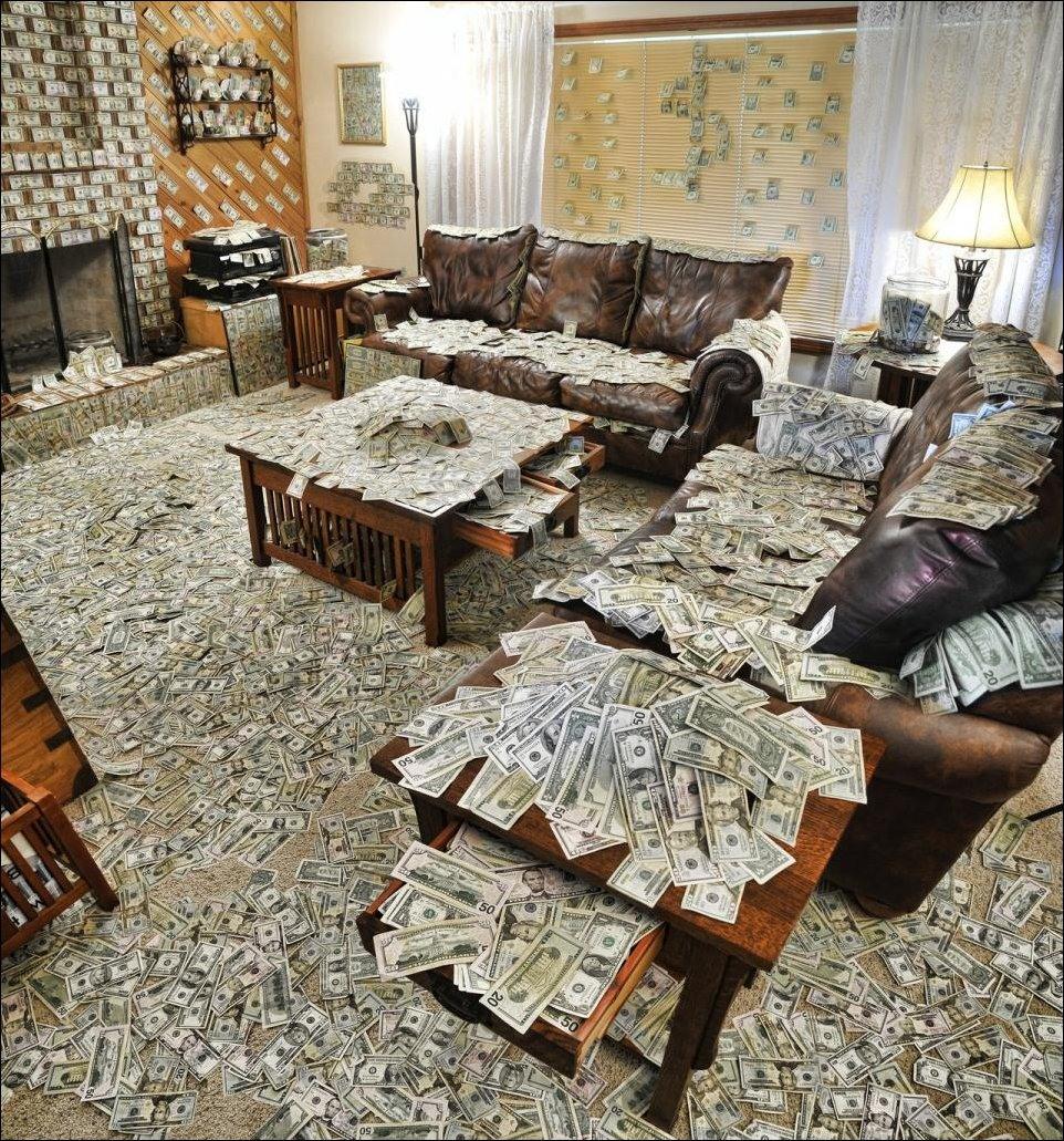 Фото квартира забитая деньгами