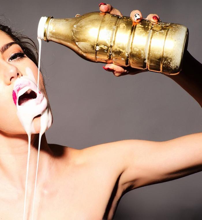 Фото молоко и секс, кончают моему мужу в рот